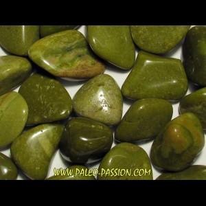 pierre roulée: opale verte