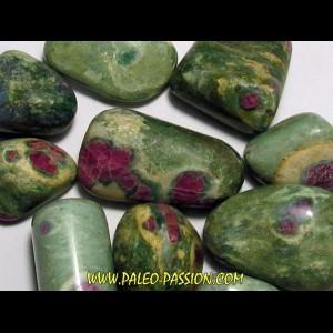 pierre roulée: fuschite-rubis