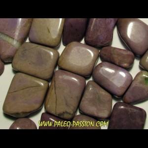 pierre roulée: jadeite lila