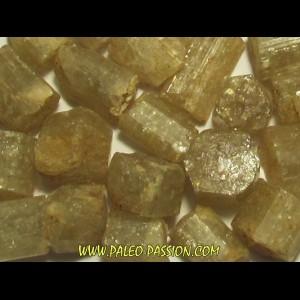 pierre roulée: apatite jaune