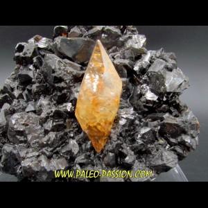 Calcite sur sphalerite  - elmwood USA
