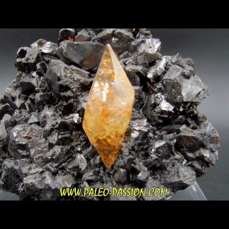 Calcite on sphalerite - elmwood USA